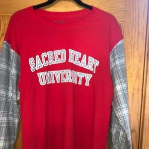 Sacred Heart University NWOT Custom Large Tailgate